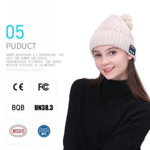Модельер Кабельной Вязаный Bluetooth Pom Шапочка Для взрослых женщин людей беспроводных наушники Skull Ребро Caps Speaker Bluetooth Winter Hat