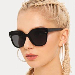 Occhiali da sole classica Fashion Quadrato Anti-riflettore Mens Designer Brand Designer Vintage Gradiente Retro Plastica Occhiali da sole Donne UV400