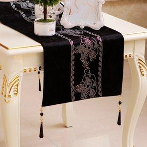 Marca New Boa Qualidade Mercadorias de estilo barroco europeu Neo-Clássica Velvet Bronze Table Coffee Table Moda Tabela Runner Runner Cama Tab Preto