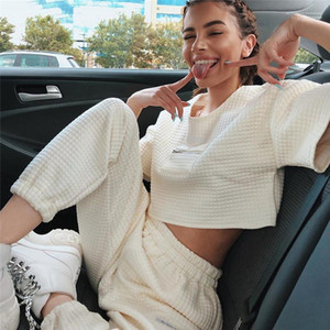 Giyim Kadın Tasarımcısı Katı Renk Tracksuits Moda Kısa leeve Crop Top Geniş Waisted Uzun Pantolon Kadın 2PCS Casual Females ayarlar