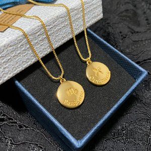 New 2020 12 Constellation Light Luxury Necklace Female Non-Mainstream Design Clavicle Chain Gold round Pendant
