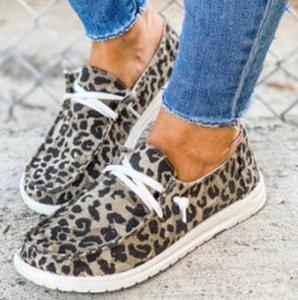 Femmes Casual Flats Suede Slip Shoe Fashion Mocassins Sneakers Leopard Imprimer Chaussures paresseux Avec 5 STYLES de Crossover GGA3725