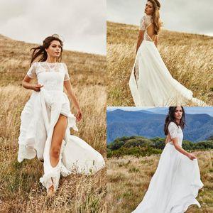 Gothic Land Bohemian Hochzeit Dresss 2021 kurze Hülsen-Juwel-Ansatz-Spitze Brautkleider Split A lineBackless Lange Roben de mariée AL7068