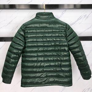 Chaqueta de invierno de los hombres abajo cubren Parkas de alta calidad de la chaqueta abajo cubre cuello redondo de invierno de los hombres y las mujeres rompevientos chaqueta con capucha ropa caliente