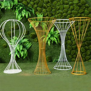 Wedding props wrought iron small waist ornaments table centerpieces flower stand twisted road guide flower vase gold white 4pcs