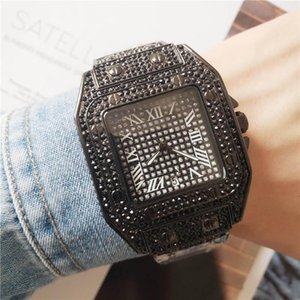 Casual mens Diamond Wristwatches with Gift Full Diamond Men Women designer watches Couples Iced out watch for Roman numeral hour mark
