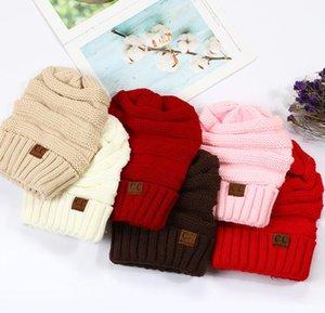 2020 Европа и Соединенные Штаты осенью и зимой продажи CC Ms Этикетировочное Pure Color Зимние шапки Шерсть отбортовки вязаной шапочке