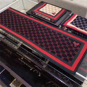 Lenços Estilo Moda para o estágio Mulheres Concise Estilo letras impressas clássico Cashmere Pasimina elegante T- Senhora elegante Lenços