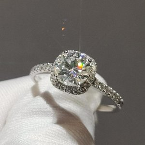 Luxurious 14K White Gold ring Moissanite jewelry Studded with small moissanite high quality Engagemen Anniversary Ring