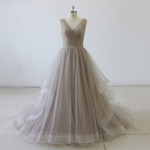 Tulle Grey Wedding Dress Ball Gown Pleated V Neckline vestido de noiva simples with Brush Train Wedding Gowns