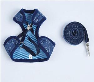 Lettre Animaux Faisceaux Sets Stripe Fashion Designer Pet Laisses extérieur Street Style Dog Harnesses Laisses
