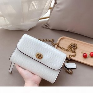 2020 fashion casual ladies simple style fashion bright surface patent leather one-shoulder bag versatile