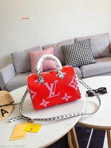 Designer inspiriert Mode Marke verzierte Spitzen-Bag gesteppte Lambskin Handtasche Metallic-Kette Crossbody Schulter-Geldbeutel-Nieten für Frauen 0729