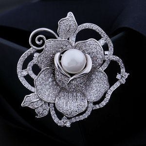 Korean hot-selling brand high-quality zircon inlaid brooch jewelry fashionable sexy lady wild rose pearl brooch exquisite luxury brooch