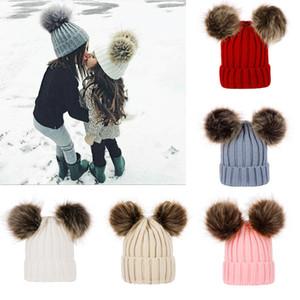 Los niños del bebé de punto de lana sombreros de invierno de punto de ganchillo sólido sombrero caliente suave de Pom Pom Gorros Sombreros doble bola de pelo al aire libre Slouchy Caps M2848
