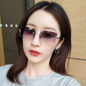 Sunglasses Small Rectangle Rimless Women Summer Traveling Style Fashion UV400 Eyewear Luxury Metal Frame Unisex