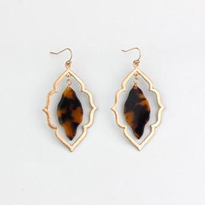 Kadınlara 2020 Trendy Mücevher için Moda Fas Tasarım Cut Out Geometrik Reçine Akrilik Manolya Dangle Damla Küpe