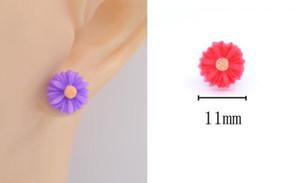 Серьги для женщин оптовой серьги ювелирные изделия Женский Изысканный элегантный Матовое покрытие Ветер Малый цветок ромашка серьги