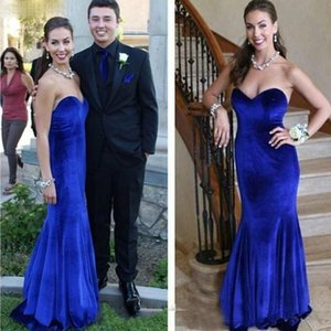 South African Royal Blue Velvet Evening Dresses High Sweetheart Fitted Backless Prom Dresses Sweep Train Long Formal Party Gowns Custom Made