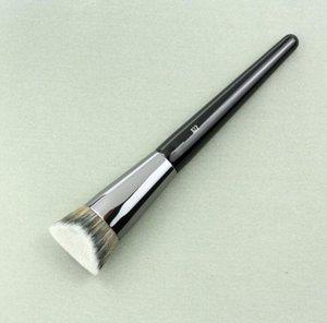 822 Brand New Foundation Brush Женщины составляют красоты Пудра Корректор Highlighter Макияж Кисти мягкие волосы с деревянной ручкой