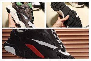 2020 Homens Sapatos Chaussures Casual pour hommes leves Fashion Shoes confortáveis para homens Zapatos de hombre B22 Sneaker C03