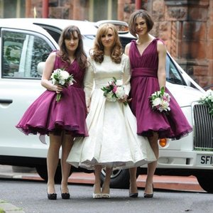 2021 Breve abiti da sposa con scollo a V una linea di lunghezza del ginocchio Maid Of Honor Prom Dress Abiti Plus Size