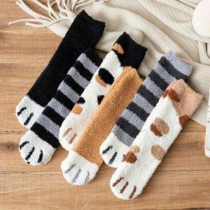 Outono e Inverno gato Sock 1 Par de pelúcia coral fleece meias quentes bonito Grosso Dormir Piso sono Meias Feminino Tubo