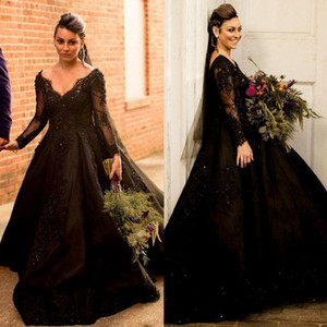 Black Lace Long Sleeves Backless Wedding Dresses V Neck Sequined Bridal Gowns Beaded Sweep Train robe de mariée