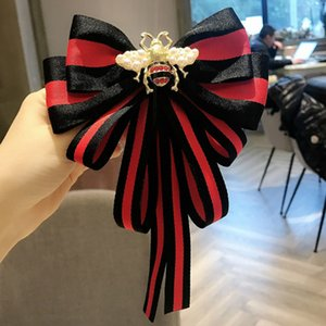 Korean Version The New College Style Simple Bee Striped Big Bow Collar Pins Bow Tie Brooch for Women Fashion Shirt Accessories