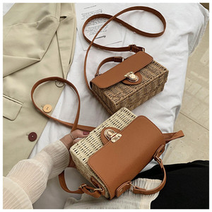 Fashionable Best Selling Women's Two-Tone Straw Woven Hand Bag Single Shoulder Braided Bag Fashionable Flap Bag