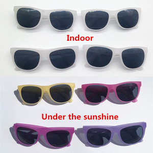 40pairs lot Custom Novelty Unisex Magic Discolor In The Sun Party Sunglasses Wedding Souvenirs Summer Party Gifts Photo Props Tdkxf