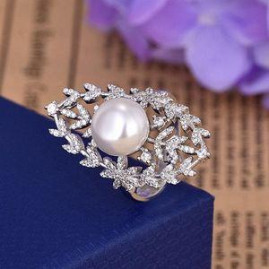 Luxury Engagement Wedding Jewelry Pearl Inlay Diamond Ring for Women