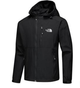 2020 новых людей конструктора Жакеты с длинным рукавом ветровки Ветрокрылых Мужчины Zipper Водонепроницаемая куртка лицо север балахон пальто одежды