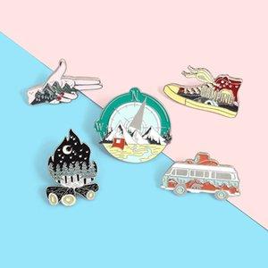 Camping La vita dello smalto Pin Outdoor Compass Scarpe di tela Falò Tenda Camper Spille Borsa Lapel Pin Badge gioielli regalo per gli amici zdl0911.