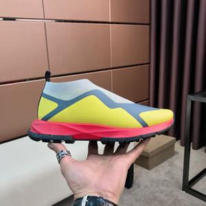 2020 classique de haute qualité chaussures pour hommes de sport occasionnels chaussettes maille respirant le jogging hommes Sneake bas-top sports occasionnels de la mode