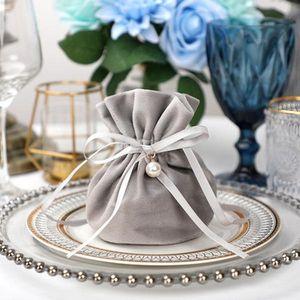 20pcs Luxus Verpackung Kordelzug Samt-Beutel Sachet-Geschenk-Beutel für Schmuck Hochzeit Süßigkeit-Kästen mit Perlen-String-Dekor-Bevorzugungen Taschen