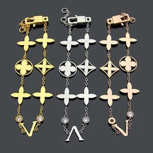 Europa américa estilo senhora mulheres titânio aço oco out v iniciais 6 motivo quatro folhas flor dupla diamante corrente bracelete 3 cor
