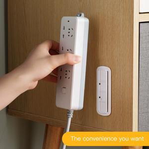 Parete Sticker Punch-libero del supporto Fixer casa autoadesivo Socket Fixer Wire organizzatore del cavo di alimentazione senza saldatura Striscia Plug