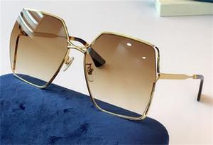 Yeni moda tasarım kadın koruyucu lens UV400 0817 Metal tam çerçeve düzensiz mercek yay bacak eğilimi ve cömert bir şekil güneş gözlüğü