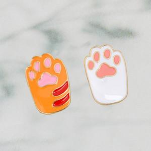 Kawaii Cartoon Cat Hard Enamel Pin Yellow White Metal Animal Pet Brooch for girl Dog cat lovers Backpack Lapel Pin Badge