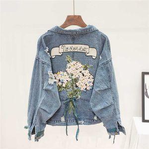 Buracos Moda Bordados Denim Jacket tamanho Mulheres Student Casacos Harajuku Big soltos longos manga curta Jeans Jacket Brasão Feminino