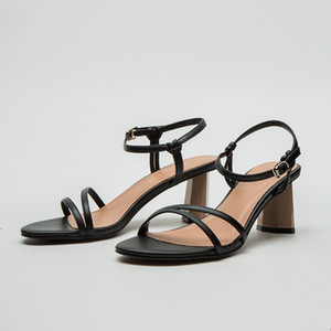 2020 Summe Sandals Mulheres Maduras do Elevado-salto com tira no tornozelo Fivela Lady Sandálias Sapatos Europa e América estilo
