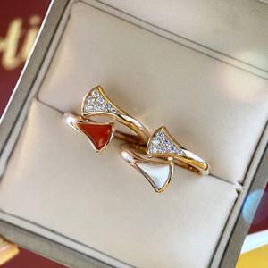 2020 الخريف مصمم الفاخرة الجديدة الصغيرة على شكل مروحة الحجر الطبيعي مع خاتم الماس S925 الفضة الاسترليني مطلي 18K زوجين عصابة حزب