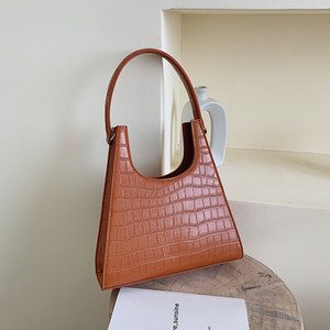 2020 Women Handbag Retro crocodile Shoulder Bag Alligator Subaxillary Bag Vintage Small Triangle green Handbag Luxury Womens Free Delivery