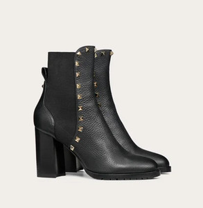 Winter Fashion Rock Studs Damen Stiefeletten Körnige Kalbsleder-Absatz-Beute Runde ToeRivets Fashion Lady Booties EU35-43