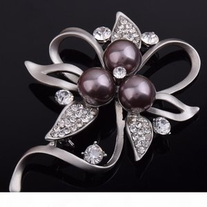 2020 brooch for girls Fashion New Crystal Pearl Brooch Lapel Pines Women Wedding Dress Hijab Pins Jewelry Rhinestone Large Brooches
