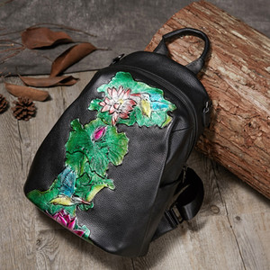 High Quality 2020 New Womens Bag Autumn Retro Leather Embossed Hand-Rub Color Lotus Womens Cross-Body Backpack