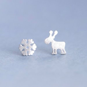 X 925 Silver Christmas Ornament Plain Silver Brushed Elk Snowflake Asymmetric Ear Stud Female Japanese and Korean Simple Ear Stud Wholesale