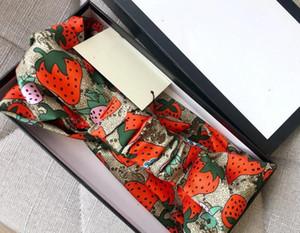 Дизайнер шелковые эластичные женщины повязки повязки мода девушки клубничные волосы полосы волос шарф голова волос аксессуары для волос подарки падение