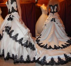 Abiti da sposa in bianco e nero 2021 pizzo gotico Appliques increspato raso A corte la Ferrovia Halloween Abiti da sposa 1920 Lace Up Back AL7103